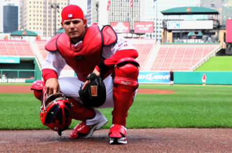 Cardinals face problematic negotiation with Yadier Molina