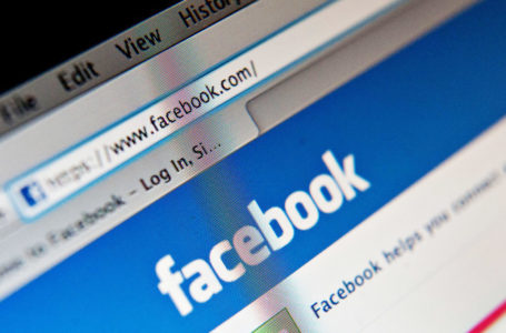 Facebook Reportedly Trying to Broadcast Unique Indicates