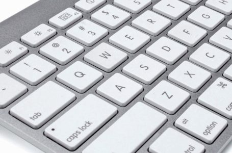 The way to connect an Apple wireless keyboard to Windows 10