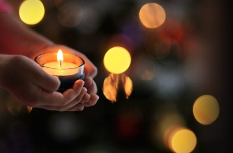 Ten Magical Gifts to Share for Yule