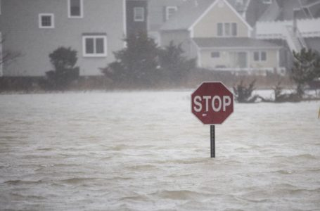 Nor'easter slamming East Coast with heavy rain, strong winds